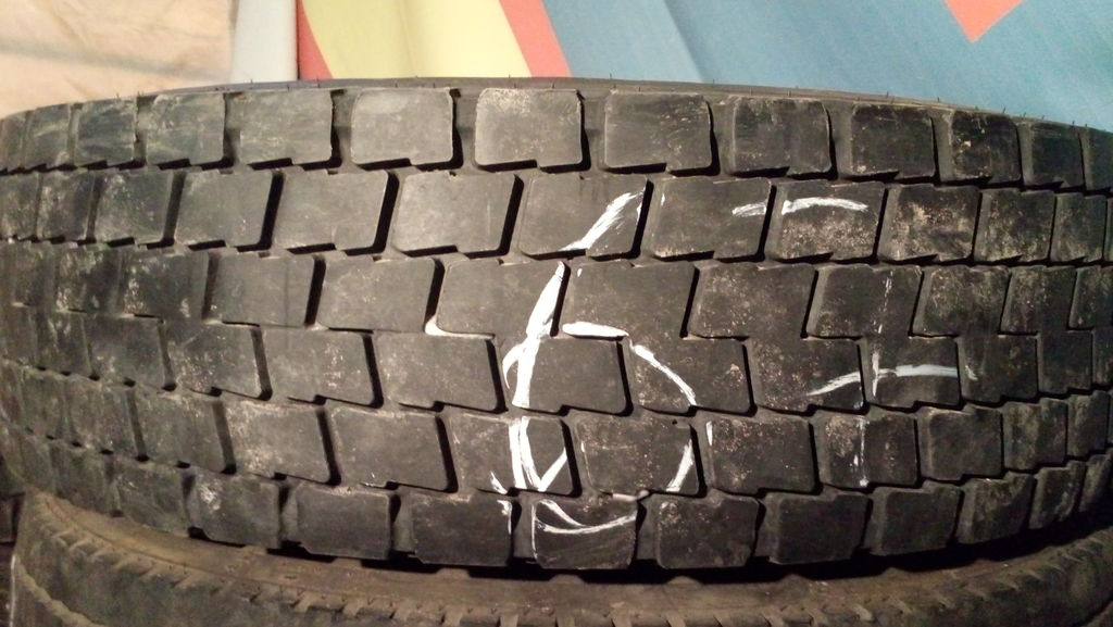 грузовая шина Michelin 295/80 R22.5