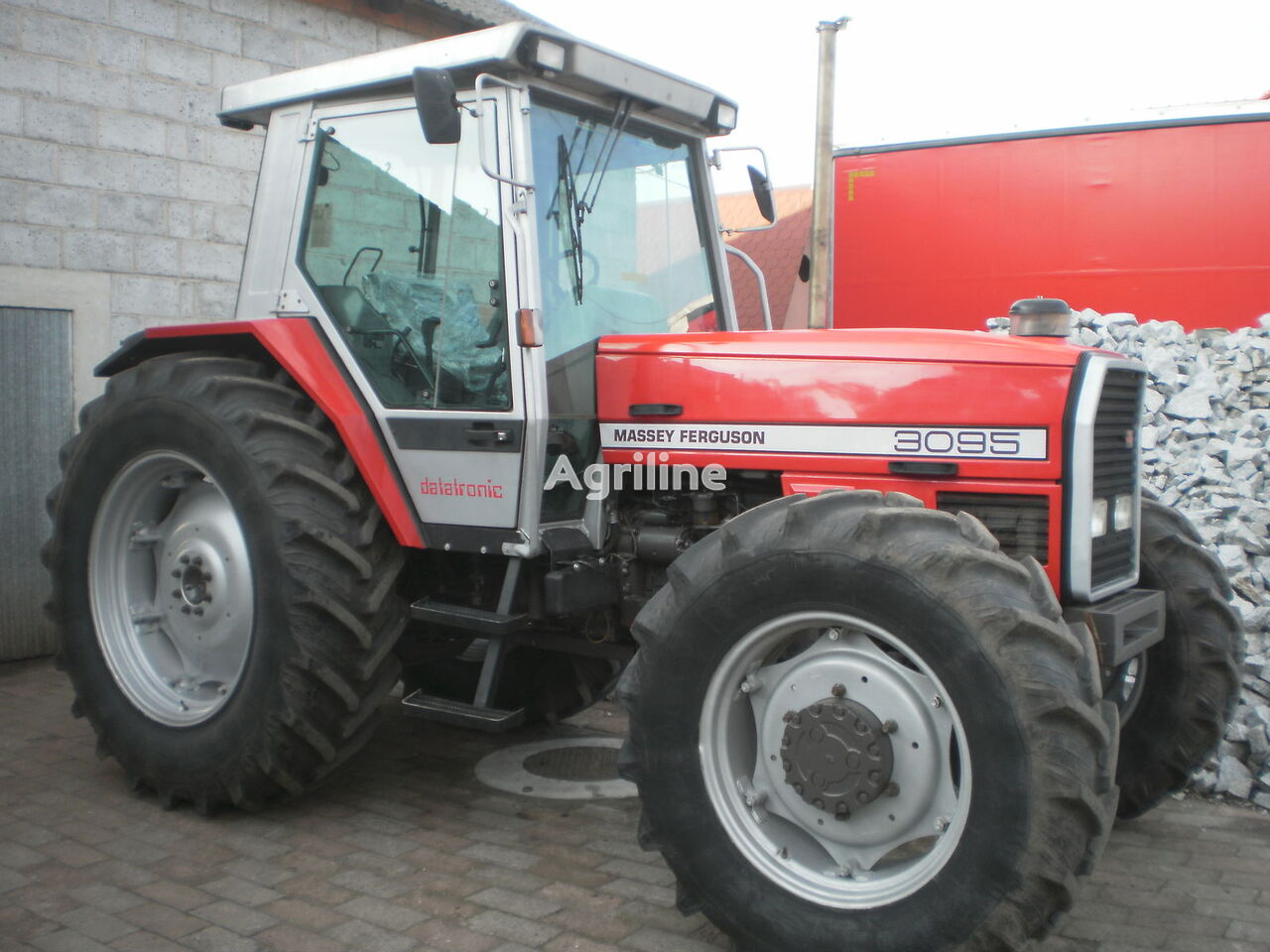 трактор колесный MASSEY FERGUSON 3095